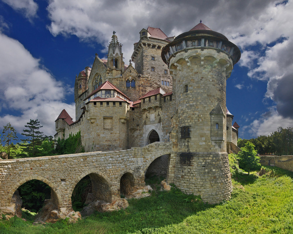 kreuzenstein-castle2.jpg