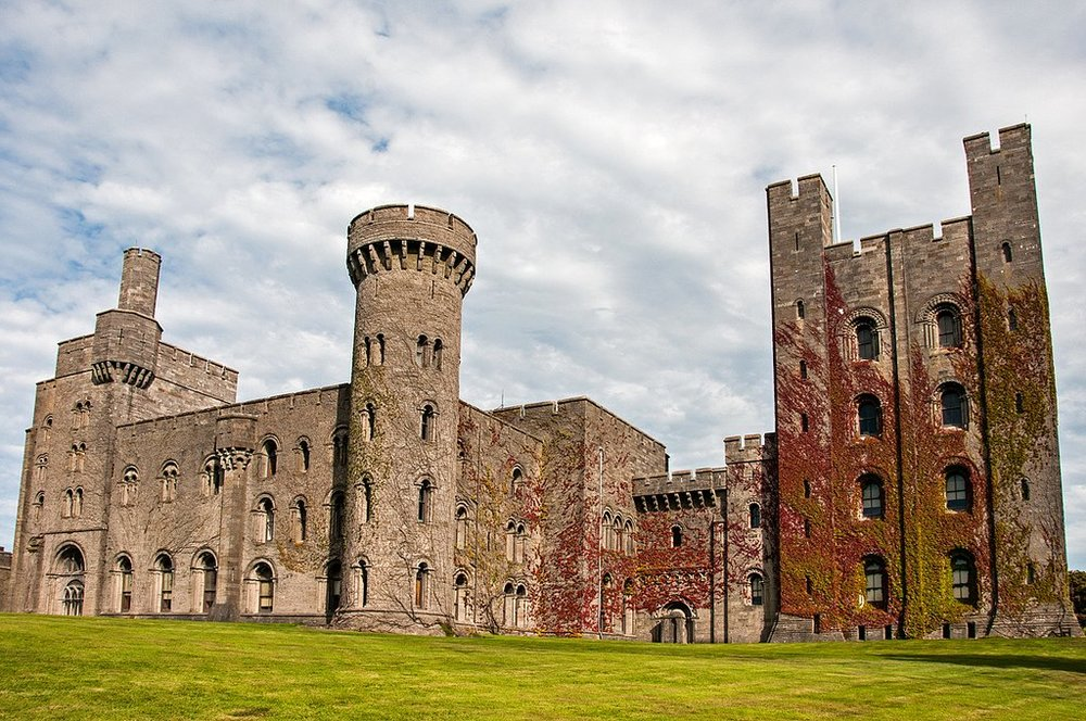 Penrhyn_Castle_Wales.jpg