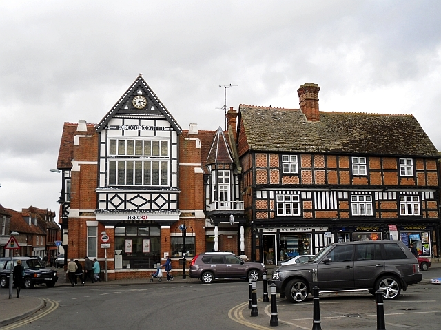 Old_buildings,_Wantage_Market_Place_-_geograph.org.uk_-_1321063.jpg