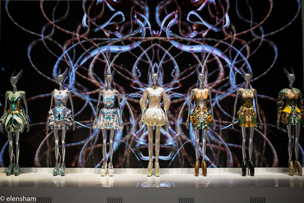 Spinning mannequins, stunning holograms and interactive backgrounds. No  picture can express the whole beauty of the show. You have co come and see  it with ... c8169b4a1d5