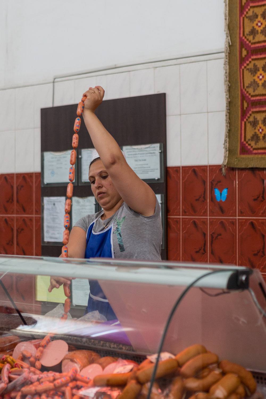 Chisinau_market_a woman2.jpg