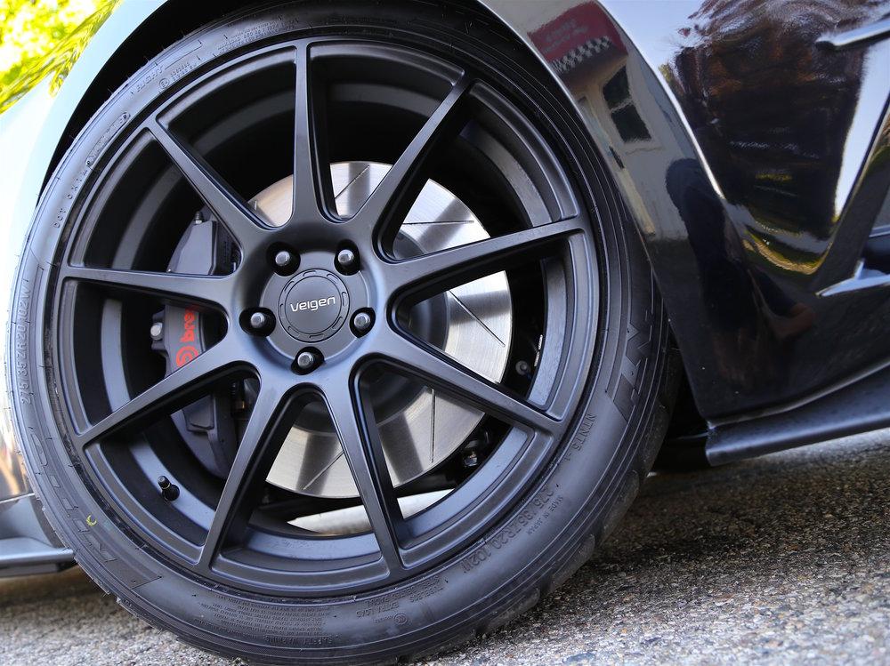 Steeda Midnight Edition front wheel -2.jpg