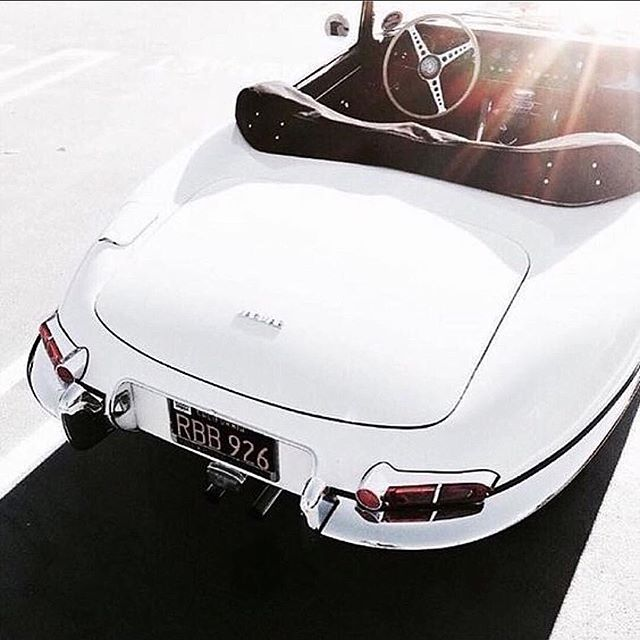 ✨ D R I V E ✨ ...limousines are out & vintage coupes are in! 🤩 . #weddingcars #vintagecar #justmarried #coupe #convertible #blanc #theknot #sunlight #flares #sunflare #cars #sundrenched #weddingcar #bridalcar