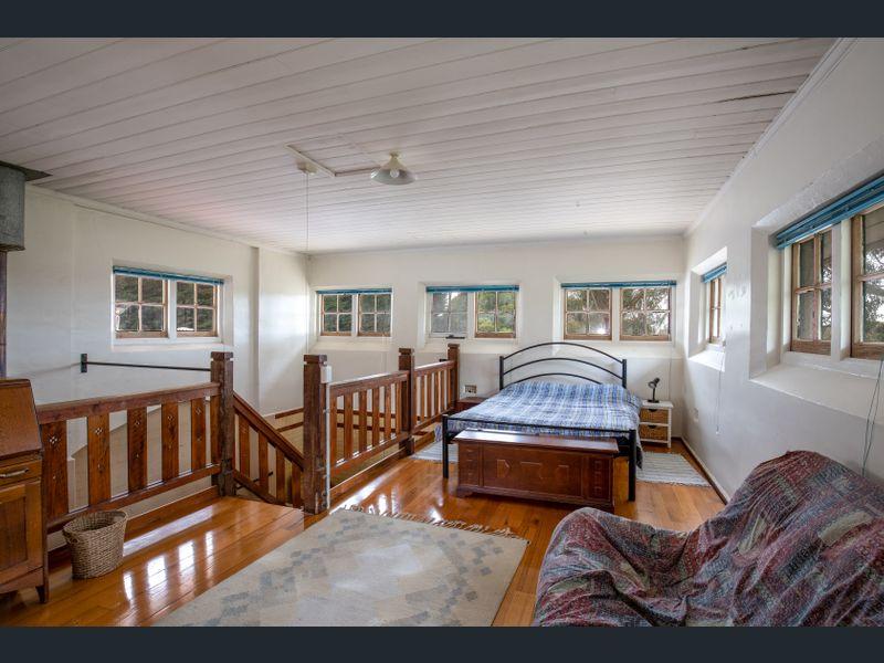 Butter room bedroom loft.jpg