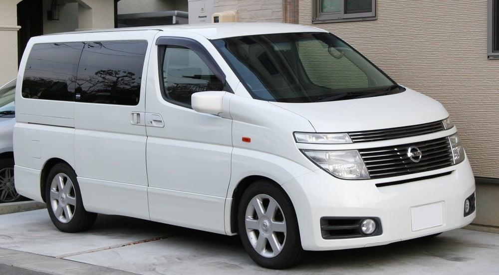 Luxury Elgrand 7 Seater in White