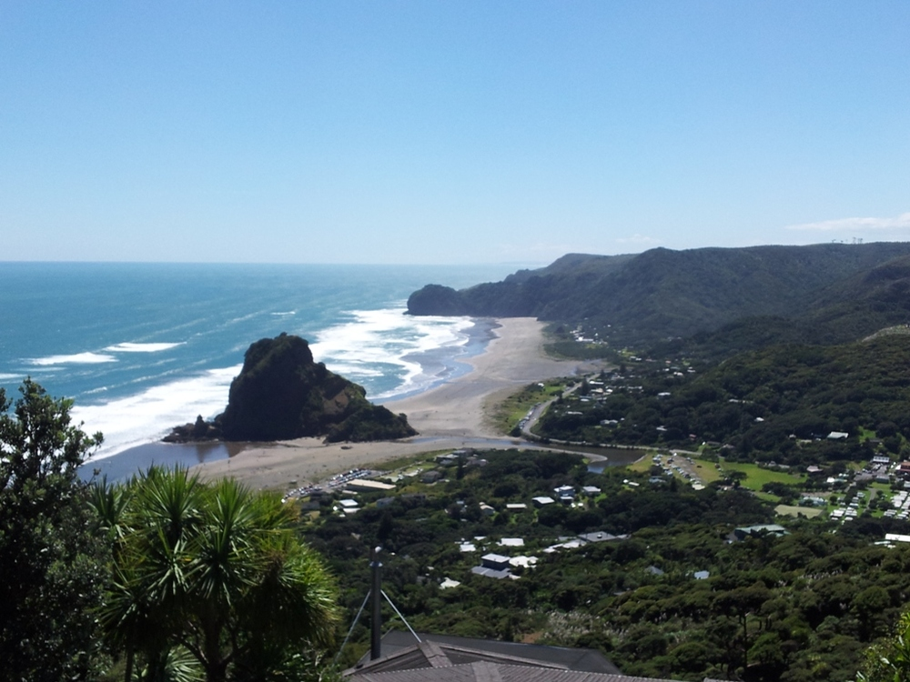 Piha beach lookout