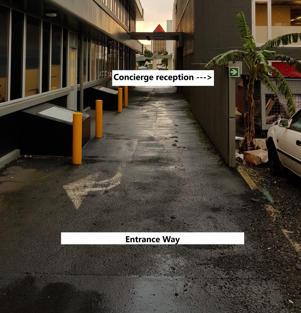 10 Northcroft St - Side Entrance Way to Carparks.jpg