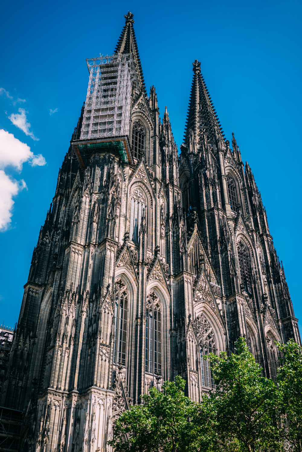 The Cologne Cathedral took 600 years to build.
