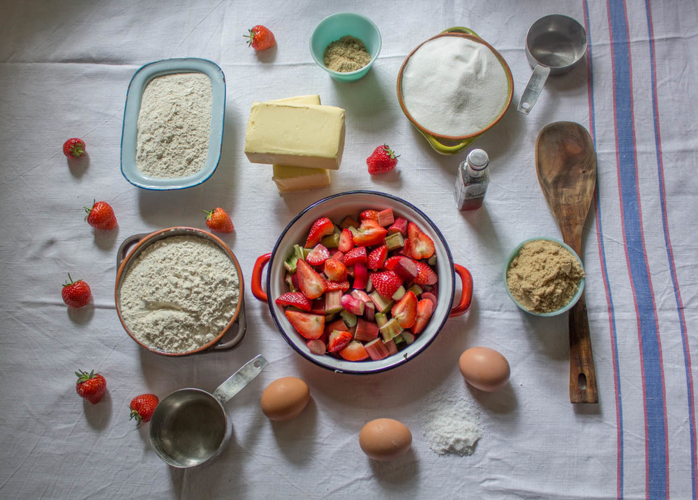 Rhubarb and strawberry crumble cake ingredients