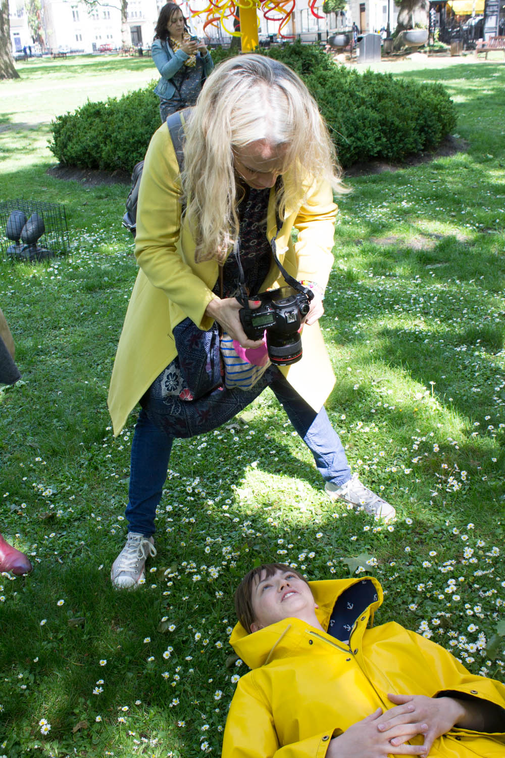 Hannah being Xanthe'd on the Blogtacular photo walk