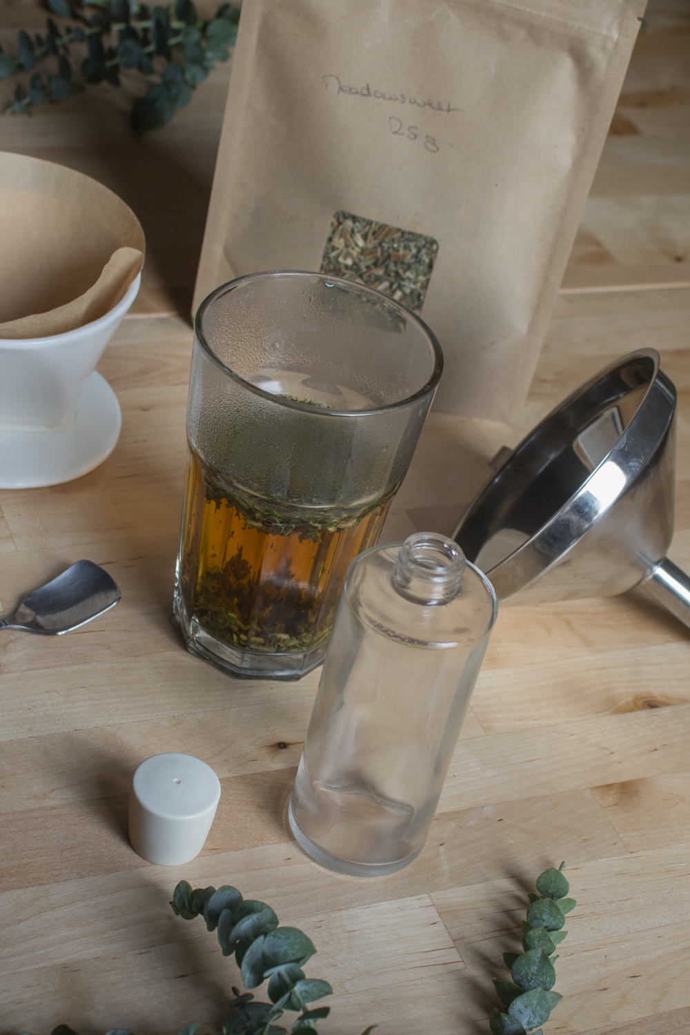 DIY meadowsweet face toner | Seeds and Stitches blog