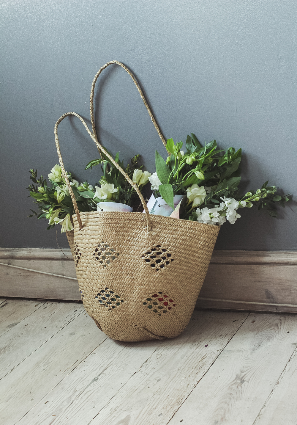 Delivering May Day Posies | Seeds and Stitches blog