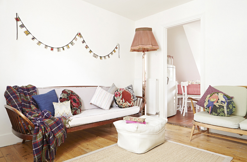 Abbie Walsh's home, photgraphy Kristy Noble, Styling Hannah Bullivant for Mollie Makes (feb)