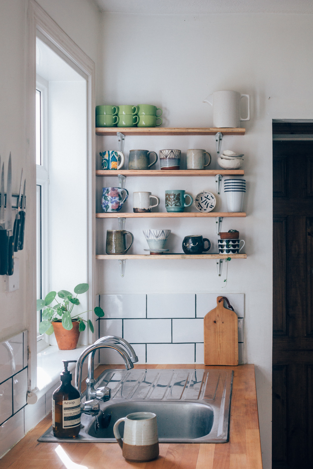 Budget Rental Kitchen Makeover| Seeds And Stitches Blog