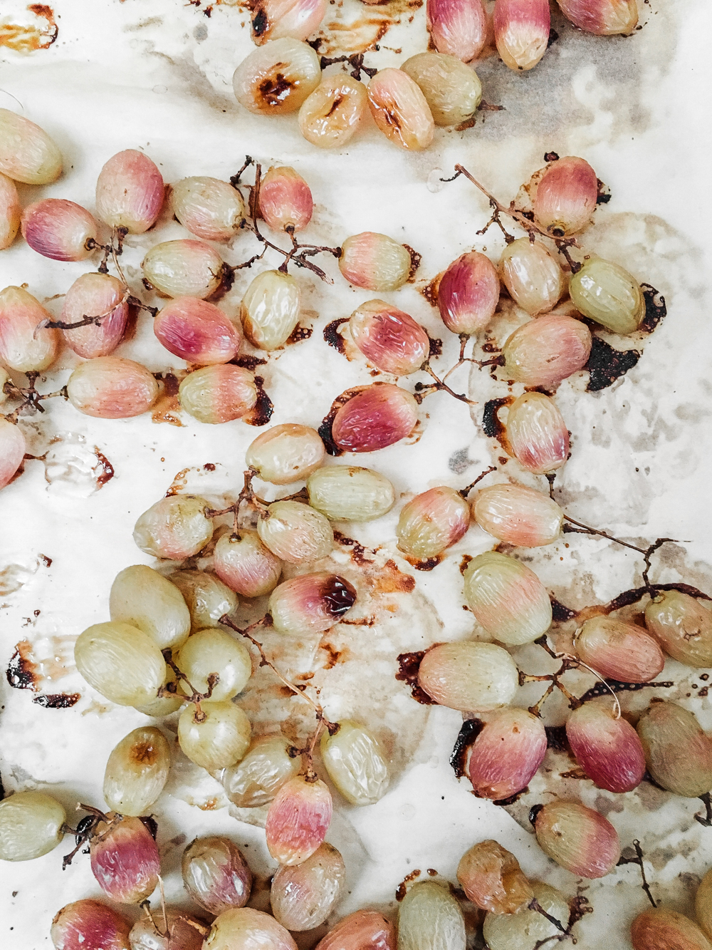 Blistered grapes, recipe by RyeLondon | Seeds and Stitches blog