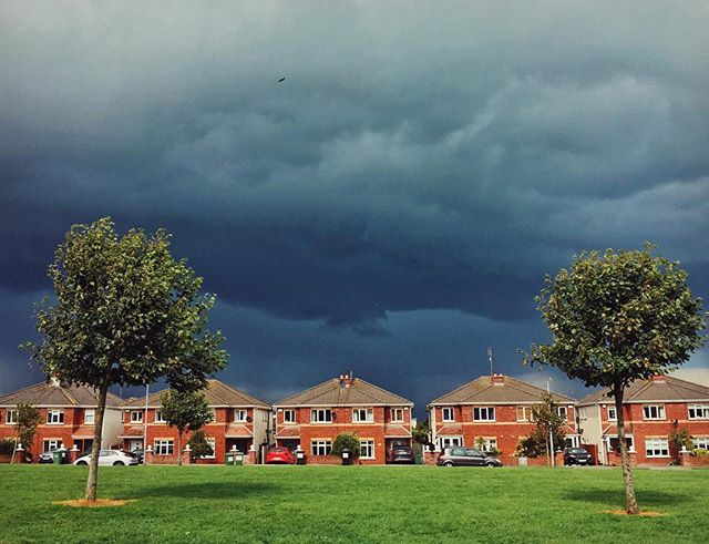 Walking round in a bad photoshop #incoming #storm #suburbia
