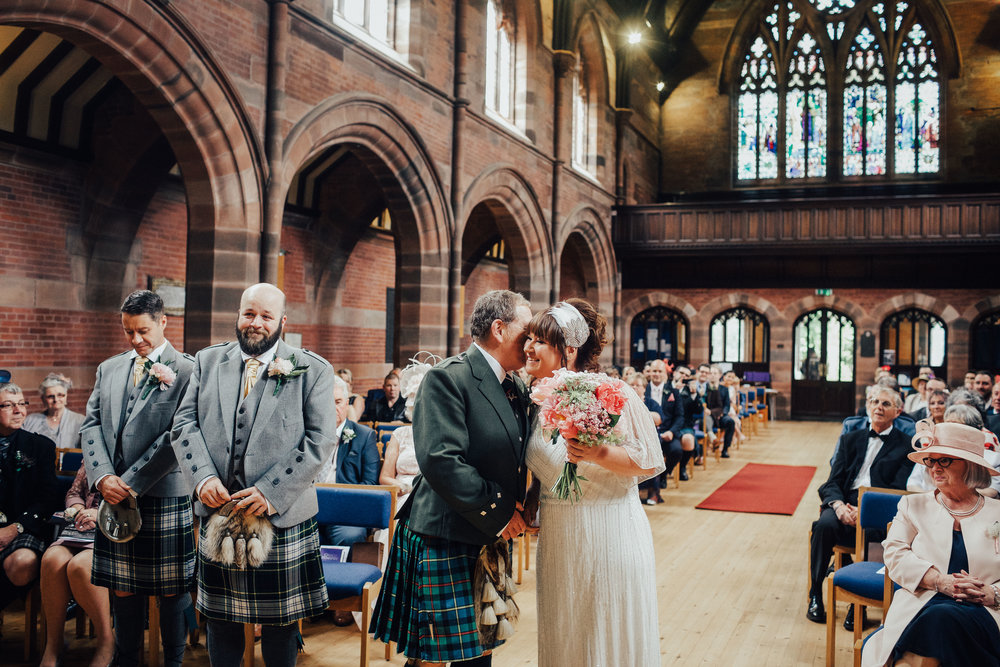 PJ_PHILLIPS_PHOTOGRAPHY_ERIKA_&_BRUCE_ALTERNATIVE_GLASGOW_CITY_WEDDING_40.jpg