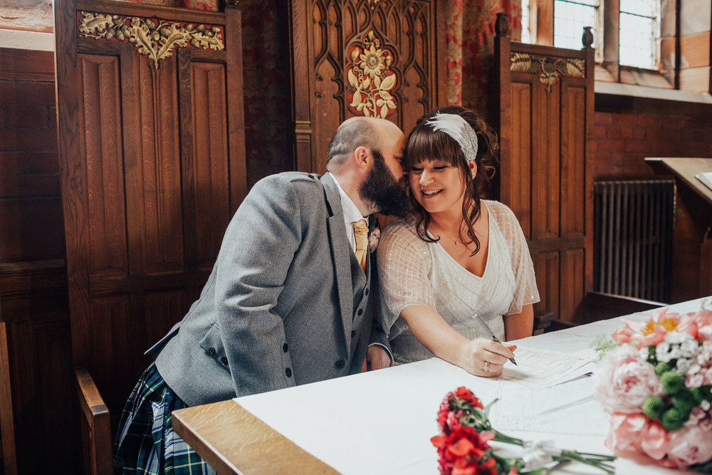 PJ_PHILLIPS_PHOTOGRAPHY_ERIKA_&_BRUCE_ALTERNATIVE_GLASGOW_CITY_WEDDING_58.jpg