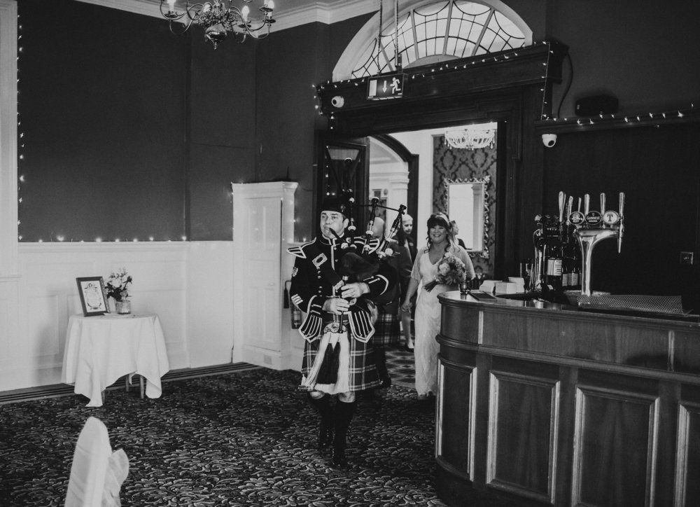PJ_PHILLIPS_PHOTOGRAPHY_ERIKA_&_BRUCE_ALTERNATIVE_GLASGOW_CITY_WEDDING_90.jpg