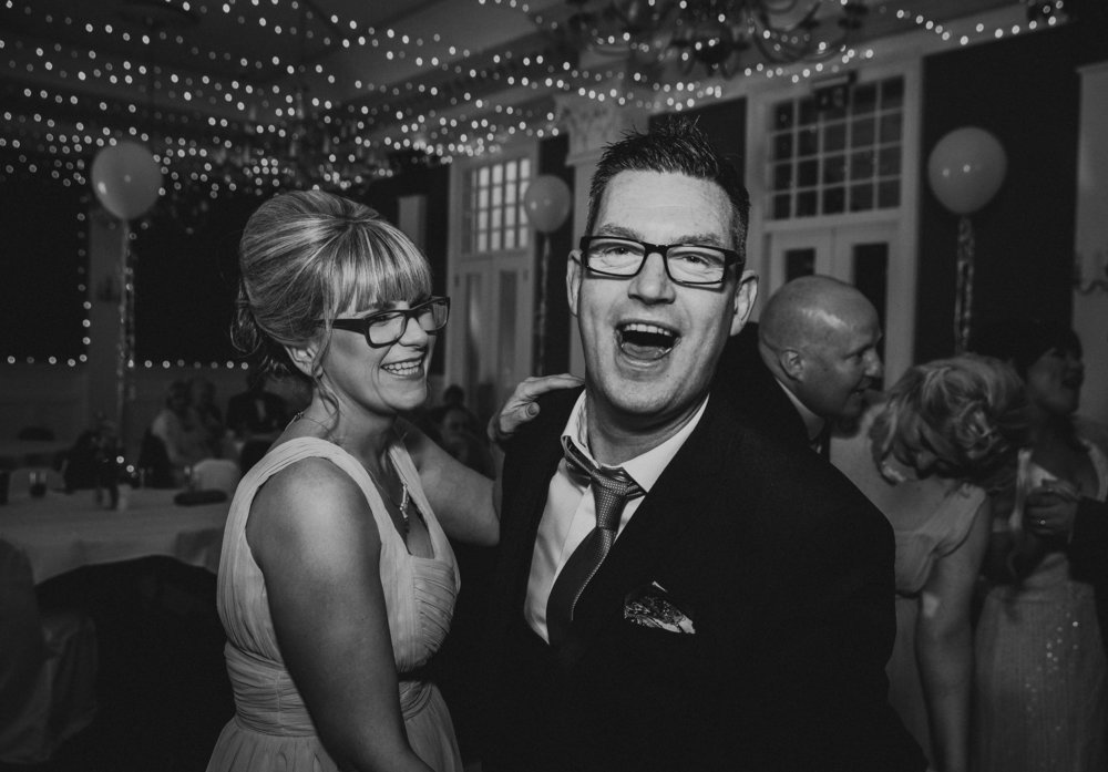 PJ_PHILLIPS_PHOTOGRAPHY_ERIKA_&_BRUCE_ALTERNATIVE_GLASGOW_CITY_WEDDING_114.jpg