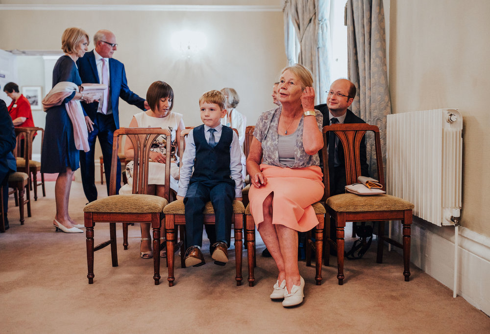 PJ_PHILLIPS_PHOTOGRAPHY_YORKSHIRE_WEDDING_PHOTOGRAPHER_HENRY_SOPHIE_SPORTSMANS_ARMS_PATELEY_BRIDGE_8.jpg