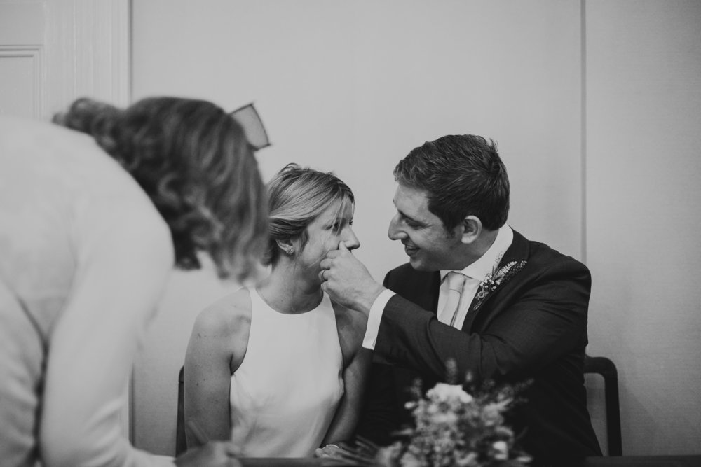 PJ_PHILLIPS_PHOTOGRAPHY_YORKSHIRE_WEDDING_PHOTOGRAPHER_HENRY_SOPHIE_SPORTSMANS_ARMS_PATELEY_BRIDGE_18.jpg