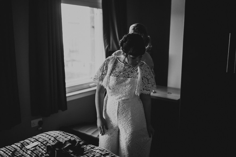 DRYGATE_WEDDING_PHOTOGRAPHER_PJ_PHILLIPS_WEDDING_PHOTOGRAPHY_13.jpg