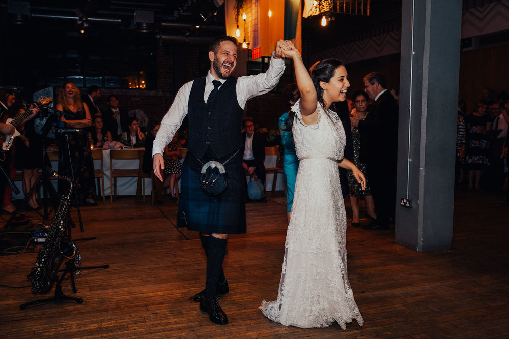 ALTERNATIVE_JEWISH_WEDDING_WEST_ON_THE_GREEN_GLASGOW_165.jpg