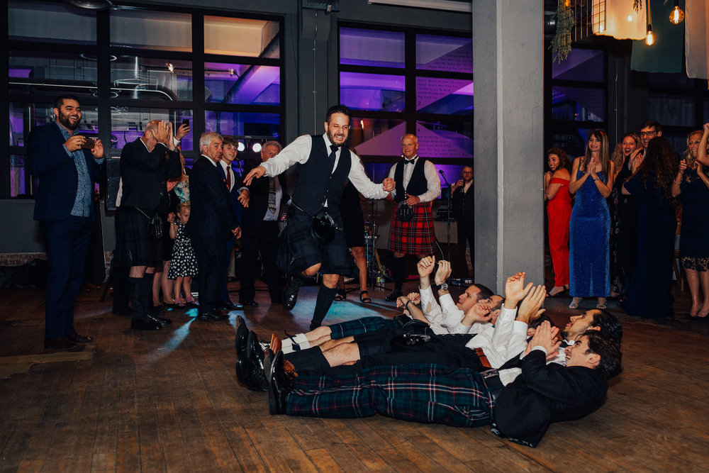 ALTERNATIVE_JEWISH_WEDDING_WEST_ON_THE_GREEN_GLASGOW_171.jpg