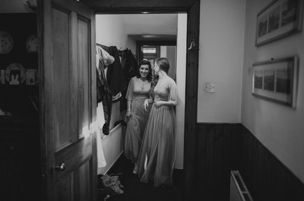LOCH_GARTEN_DIY_WEDDING_PJ_PHILLIPS_PHOTOGRAPHY_57.jpg