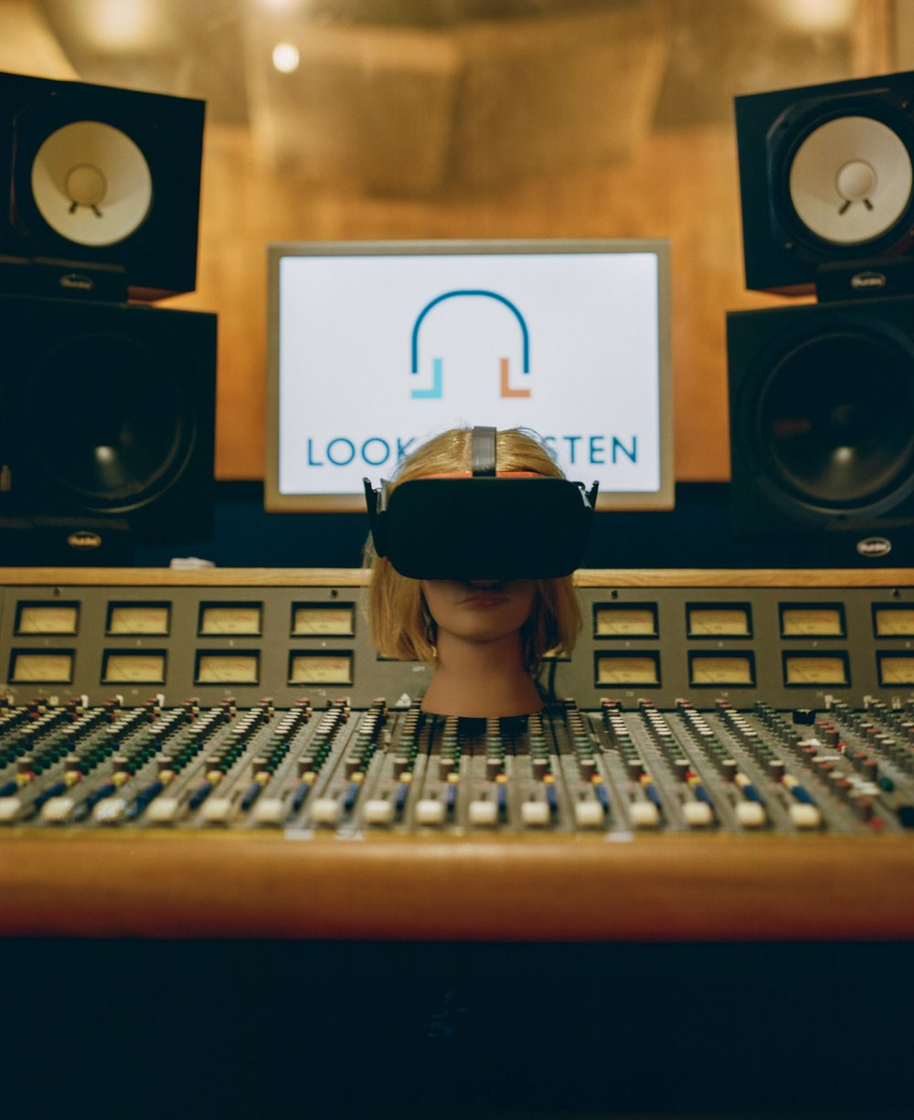 Virtual Reality Audio Design from Look to Listen Studios.jpg