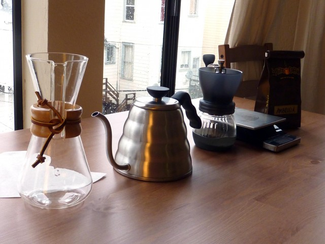how-to-make-pour-over-chemex-coffee-1