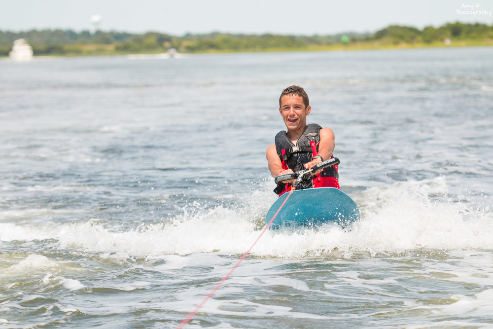 summer kneeboarding water sport