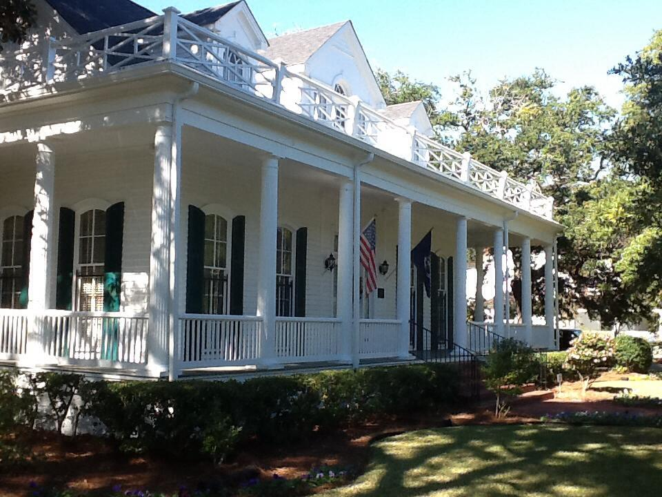 The Lincoln Parish Museum & Historical Society houses a collection of historic artwork, furniture, artifacts, and documents that tell the story of Ruston and Lincoln Parish.