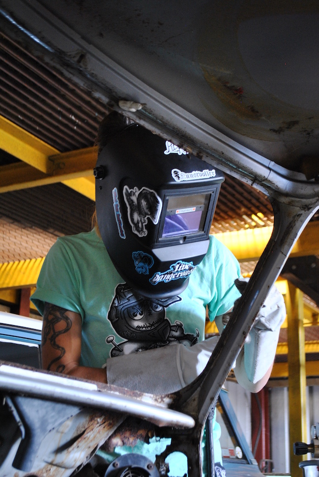 girls-welding.jpg