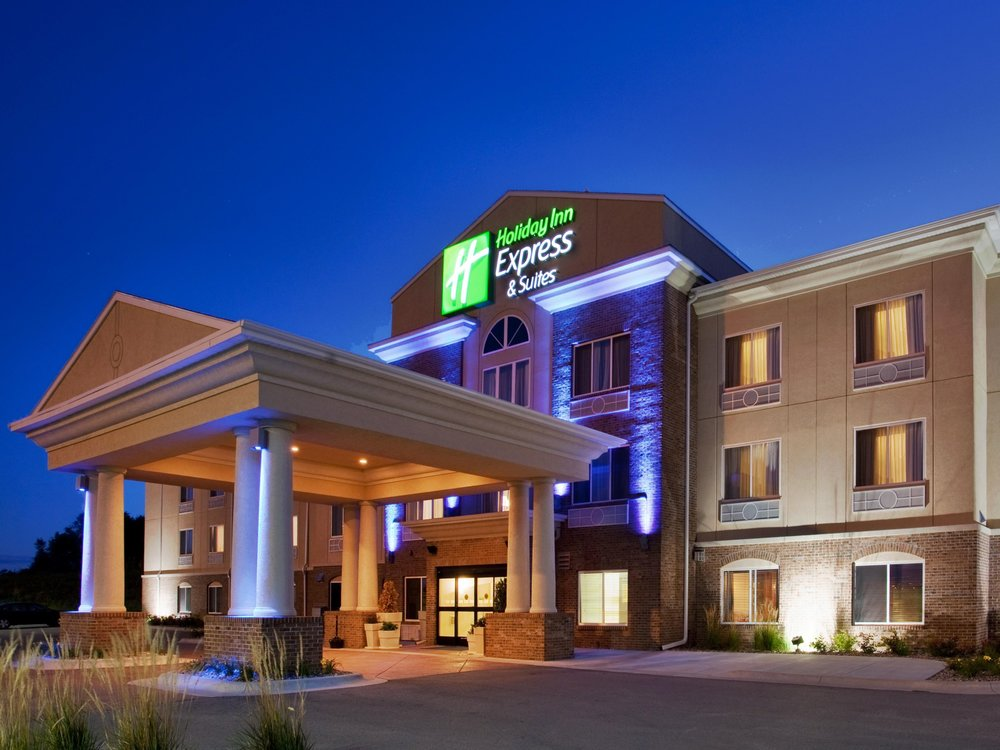 holiday-inn-express-and-suites-omaha-2531792525-4x3.jpg