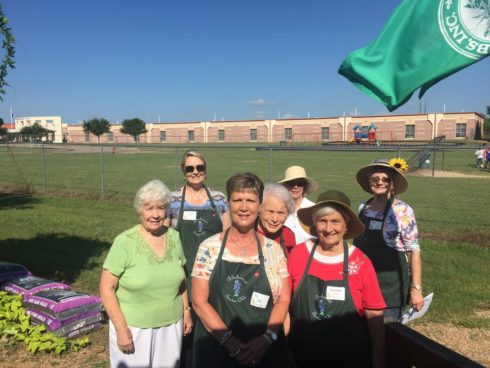Thursday helpers...Merlene Schumacher, Sandy Batt, Debi Meschwitz, Joy Kenjura, Sarah Painter, Carolyn Sander & Twila Tate