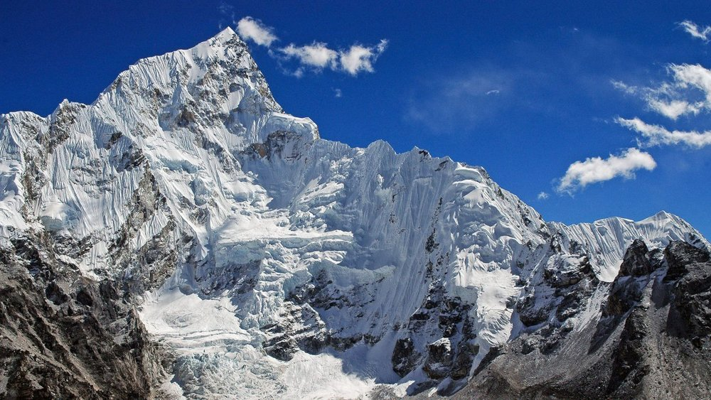 French Alpinists Pioneer Risky New Route on Nuptse