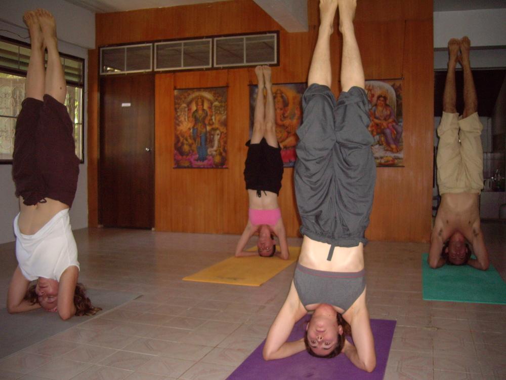 Raissa headstand.JPG