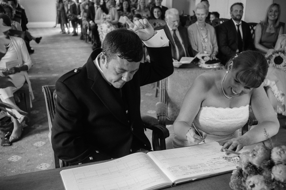 Mr and Mrs Robson-539.jpg