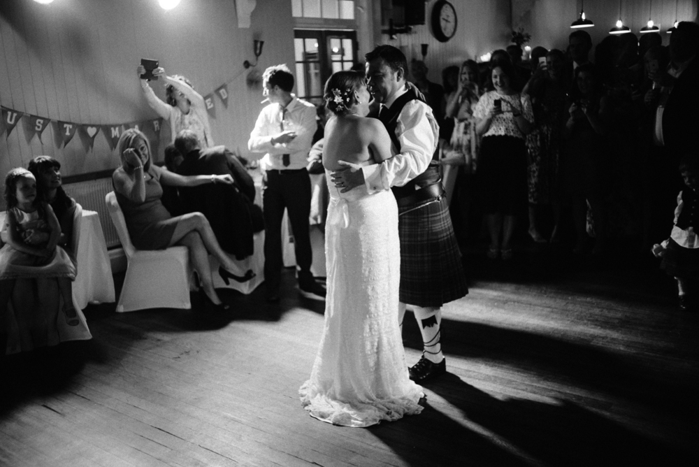 Mr and Mrs Robson-855.jpg