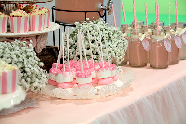 How to Create An Elegant Ballerina Birthday Party | Baby's Breath and Marshmallow Pops