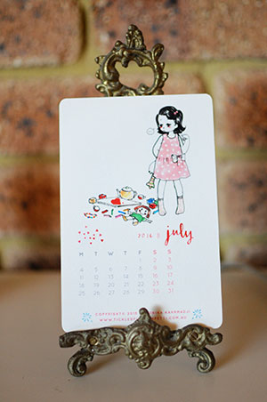 Veronika's Little World || Webcomic || Downloadable 2016 Free Printable Calendar || July