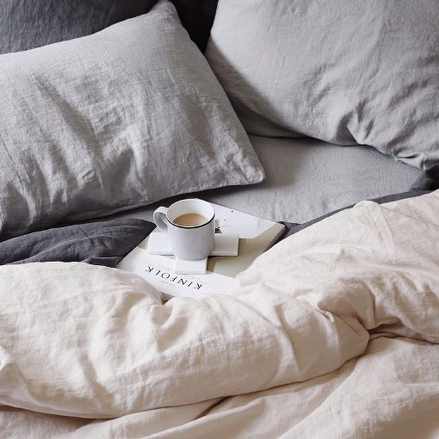 I dream of mornings like this 😍!! Make sure to check out @vigorandsage for some morning routine tips! We go live today! 📷 Thanks to @cultiver_goods for this drool-worthy scene  #kinfolk #morningslikethese #livefolk #liveauthentic #coffee #thatsdarling #vigorandsage #friday