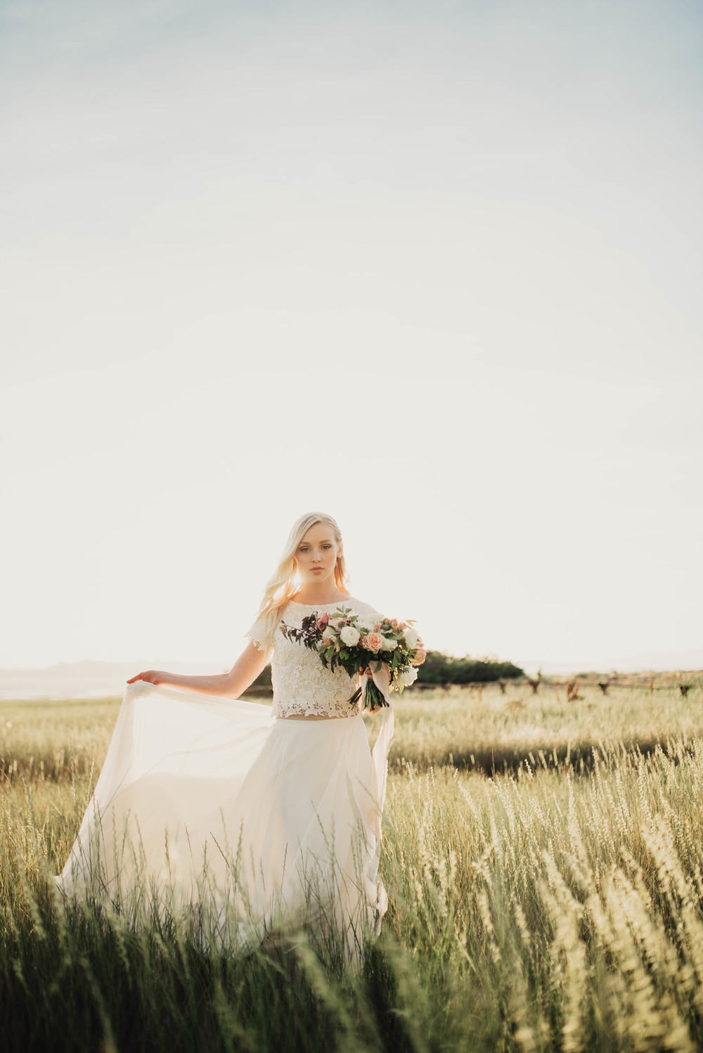 Sunset bridals in Utah fields