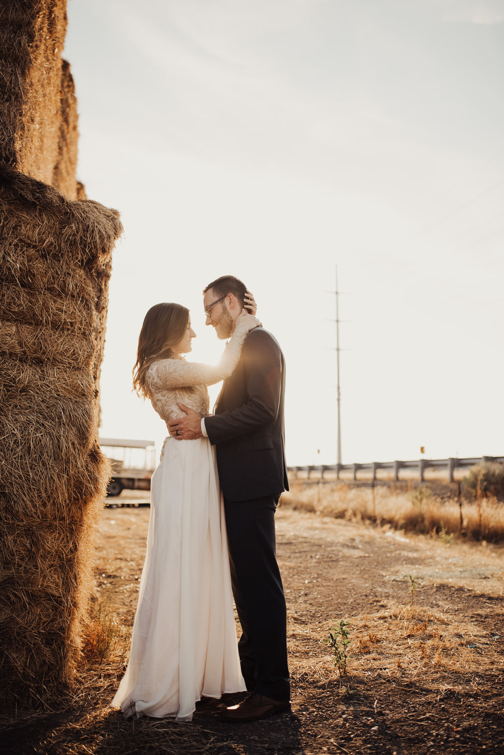 Barnyard wedding photos at sunset.jpg