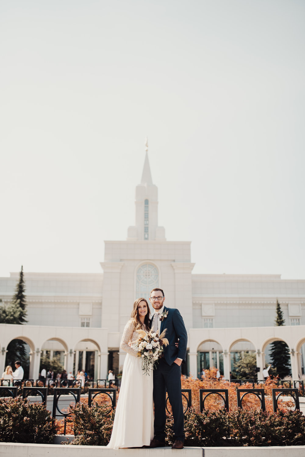 Utah wedding photographer bountiful temple.jpg