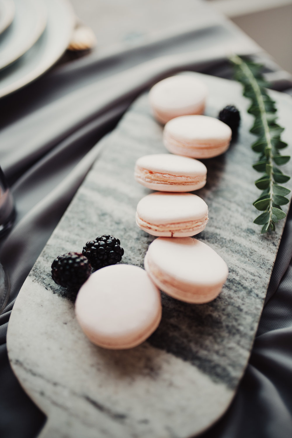 rasperry-wedding-macaroons.jpg