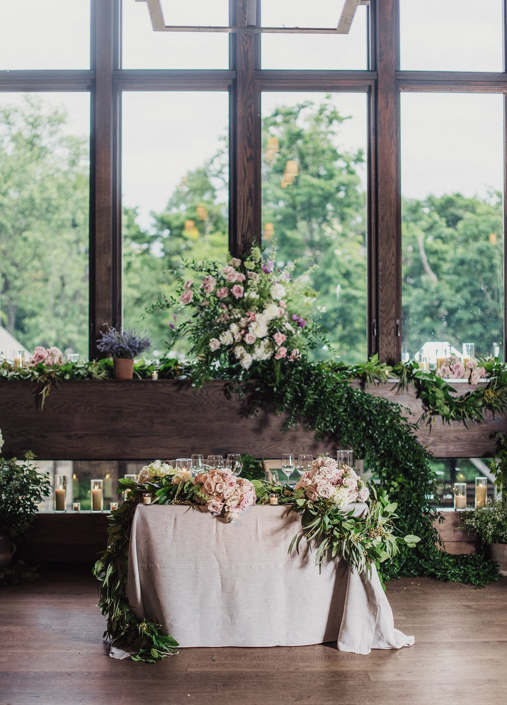 garland greenery wedding reception inspiration