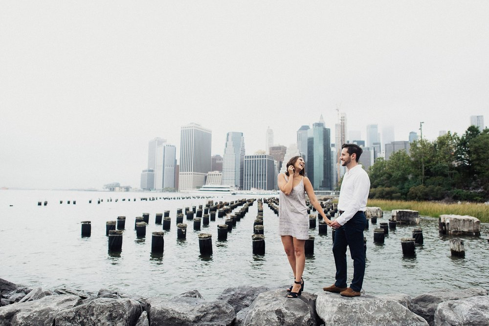 engagement session in dumbo brooklyn
